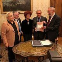 Ebraismo, tradotto in italiano il primo libro del Talmud a 500 anni dai roghi de...