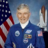 Nasa: è morto John Young, astronauta che camminò sulla Luna