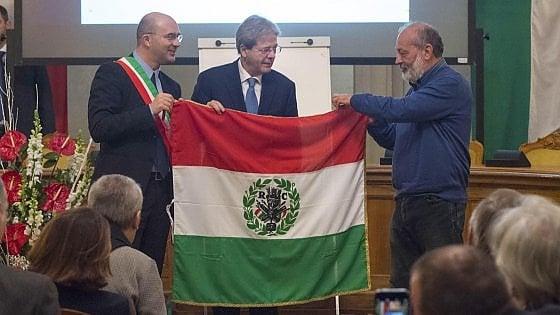 """Gentiloni alla festa del Tricolore: """"La politica non disperda i risultati raggiunti"""""""
