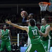 Basket: Brescia cade a Torino, Avellino solo al comando
