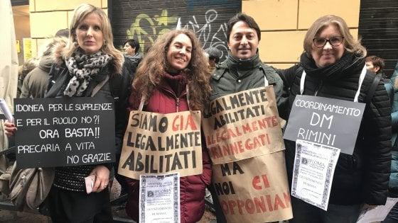 Scuola, sciopero delle maestre alla riapertura: presidi e disagi nelle città. Proteste al ministero dell'Istruzione