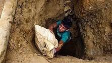 Una scuola  tra i sarcofaghi  per i bambini  che vivono nel cimitero scavando tombe