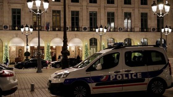 Parigi, rapina a mano armata alla gioielleria dell'hotel Ritz. Tre malviventi fermati, due in fuga