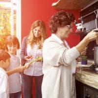 Anziani meno fragili grazie alla dieta mediterranea