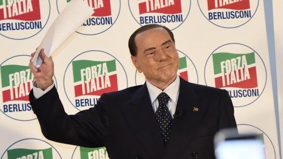 """Molestie, Berlusconi: """"Catherine Deneuve ha detto cose sante"""""""