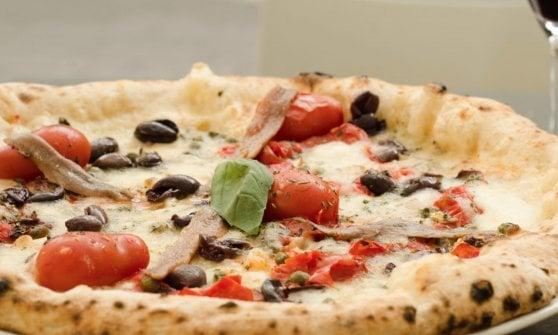 La pizzeria di Palazzo Petrucci: una sosta elegante nel ventre di Napoli