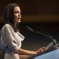 Avere o non avere il gene Jolie non fa differenza, una volta ammalate