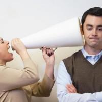 Fare il falso modesto con gli altri non funziona