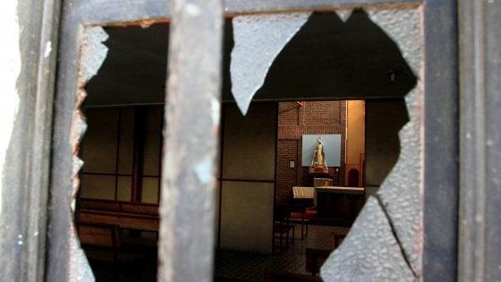 A pochi giorni dall'arrivo di Francesco in Cile quattro attacchi contro chiese cattoliche