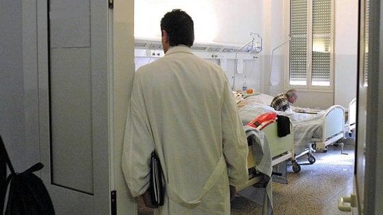 Condannato il chirurgo che ha inciso le sue iniziali sul fegato di 2 pazienti