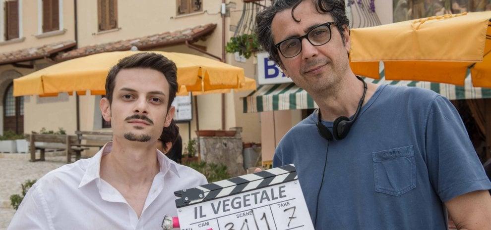"""Il trattore di Rovazzi imbocca la via del cinema: """"Ecco la mia generazione vegetale"""""""