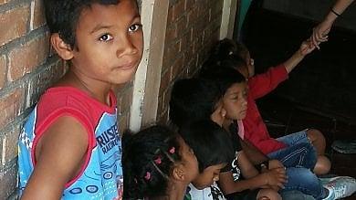 Honduras, la Casa per bambini abbandonati non distante dalla capitale  dove ancora regna il caos nelle piazze