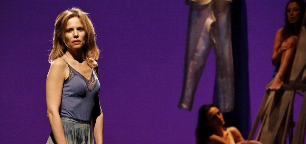 """Sonia Bergamasco: """"Le donne ce la fanno da sole, ma insieme agli uomini è meglio"""""""