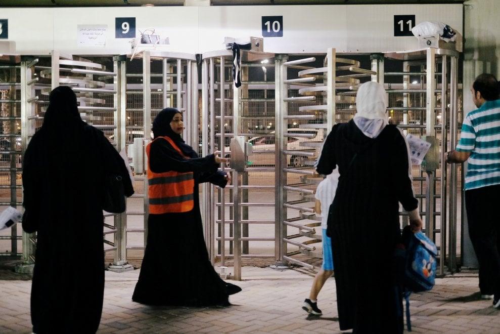 Vittoria delle donne saudite: allo stadio per la prima volta