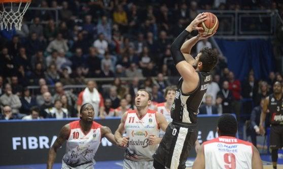Basket, serie A: Avellino si laurea campione d'inverno, Virtus Bologna alla Final Eight
