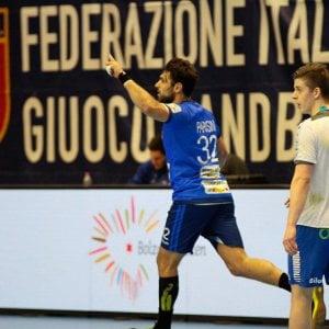 Pallamano, qualificazioni Mondiali: Italia vince ma è fuori, ai playoff va la Romania