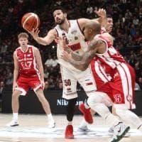 Basket, serie A: Cremona e Cantù alle Final Eight, out Sassari. Venezia sbanca Milano