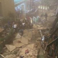 Indonesia, crolla struttura della Borsa di Giacarta: 75 feriti