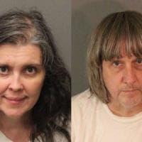California: arrestata coppia di genitori. Da anni tenevano i tredici figli