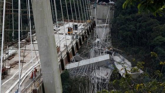 Colombia, nel crollo di un ponte muoiono dieci operai