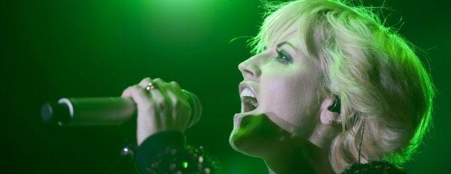 """Dolores O'Riordan, gli amici: """"Era depressa""""· L'addio alla cantante dei Cranberries."""