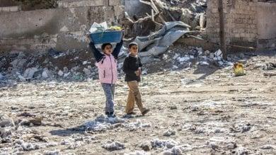 Siria, Raqqa: ordigni inesplosi  e trappole-bomba ovunque,  anche nei peluche o nelle zuccheriere