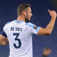 Rinnovo subito e addio a giugno, De Vrij  fa un 'favore' alla Lazio