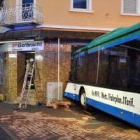 Germania, scuolabus contro edificio: 43 bimbi feriti