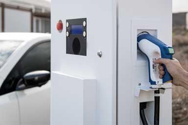 """Nissan lancia l'""""Ecosistema Elettrico"""" per un futuro più sostenibile"""