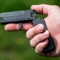 Allerta Pubblica sicurezza: in commercio pistola formato carta di credito