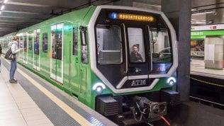 Treni e metro, i pendolari crescono ma non abbastanza. Legambiente: Basta risorse a strade e autostrade
