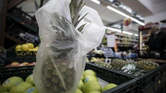 Sacchetti ortofrutta, la nuova misura ha già cambiato i consumi