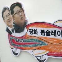 Olimpiadi invernali, le due Coree sfileranno insieme alla cerimonia d'apertura