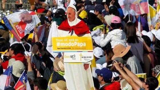 """Papa agli indigeni Mapuche: """"Contro di voi gravi violazioni di diritti umani, ma no a violenza"""""""