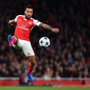 Mercato: l'Arsenal saluta Walcott. Il Valencia sfida la Roma per Darmian
