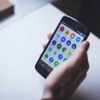 Il boom delle app, 175 miliardi di download: ne abbiamo almeno 80 sullo
