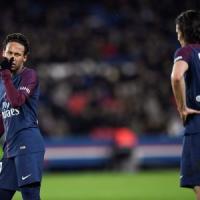 Psg, ci risiamo: Neymar nega record a Cavani, il pubblico lo fischia