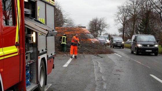 Maltempo in tutta Europa, in Olanda tre morti e 200 voli cancellati