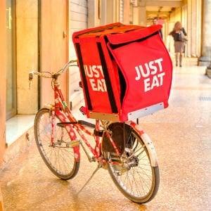 Servizi di food delivery a confronto: Just Eat il più capillare, a Foodora il voto più...