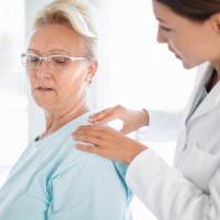 Malattie reumatiche: uno su due ignora i fattori di rischio, come fumo e obesità