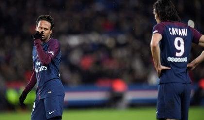 Neymar nega il record a Cavani Segna un poker ma prende i fischi