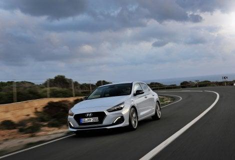 Hyundai i30 Fastback ai nastri di partenza