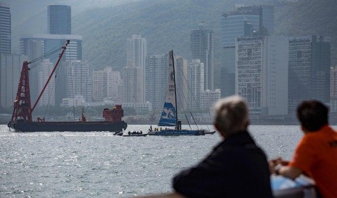 Vela, tragedia alla Volvo Ocean Race: imbarcazione contro peschereccio, un morto