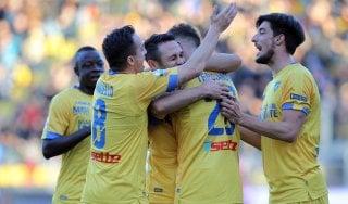 Serie B: il Frosinone vola in vetta. Frena il Palermo, il Parma cade a Cremona