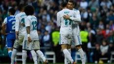 Il Real Madrid prima si spaventa poi dilaga: 7-1 al Deportivo La CorunaFoto Ronaldo, ferito al volto, si fa un selfie