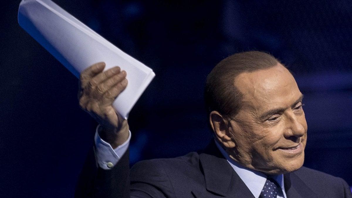 Berlusconi la politica e i suoi professionisti mi fanno for Repubblica politica
