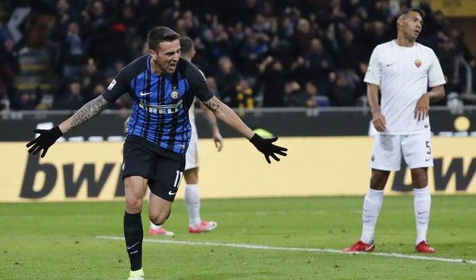 Vecino riprende la Roma, con l'Inter è 1-1