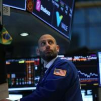 Borse europee poco mosse, a Piazza Affari vola Yoox