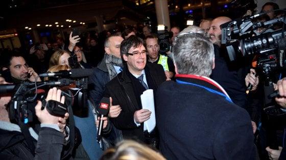 Puigdemont, il Tribunale supremo di Madrid respinge la richiesta di mandato d'arresto europeo. E Torrent lo vuole a capo della Generalitat