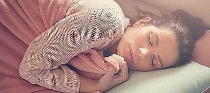 """""""Più magri con 90 minuti  di sonno in più a notte""""  I consigli per riposare bene"""